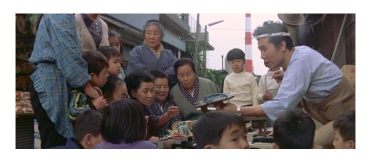 第7作「男はつらいよ 奮闘篇」で寅さんが啖呵売した商品「鎌倉彫の下駄、易本(人相・手相)」