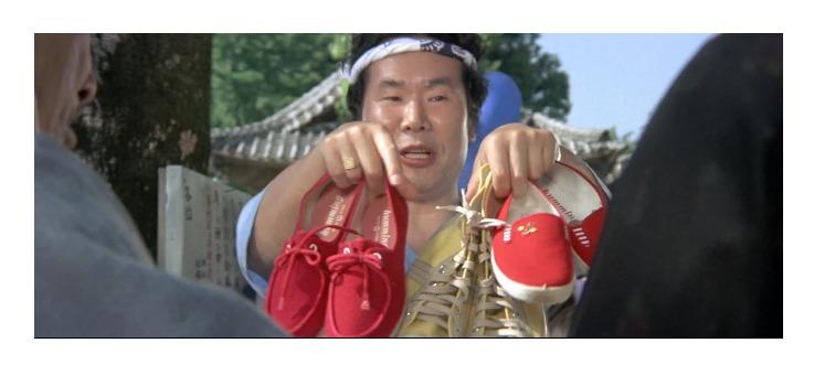 第21作「男はつらいよ 寅次郎わが道をゆく」で寅さんが啖呵売した商品「スニーカー」