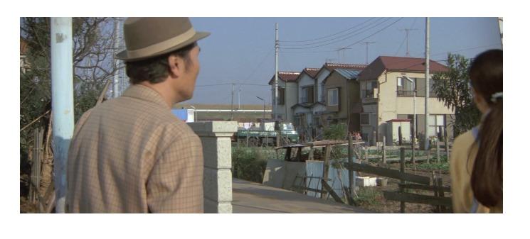 さくらが初めてマイホームを持ったのは第26作「寅次郎かもめ歌」の時だった(1軒目)